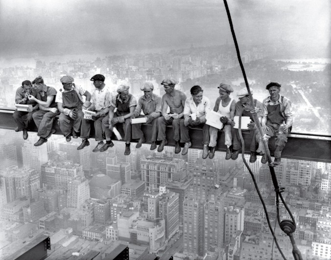 time-100-influential-photos-lunch-atop-skyscraper-19